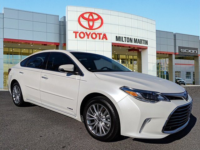 Certified Pre Owned 2017 Toyota Avalon Hybrid Limited