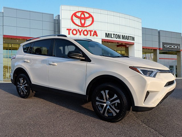 Certified Pre-Owned 2017 Toyota RAV4 LE